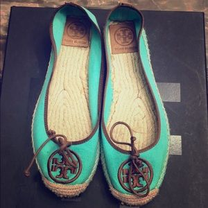 Tory Burch Tiffany blue flats in canvas size 8